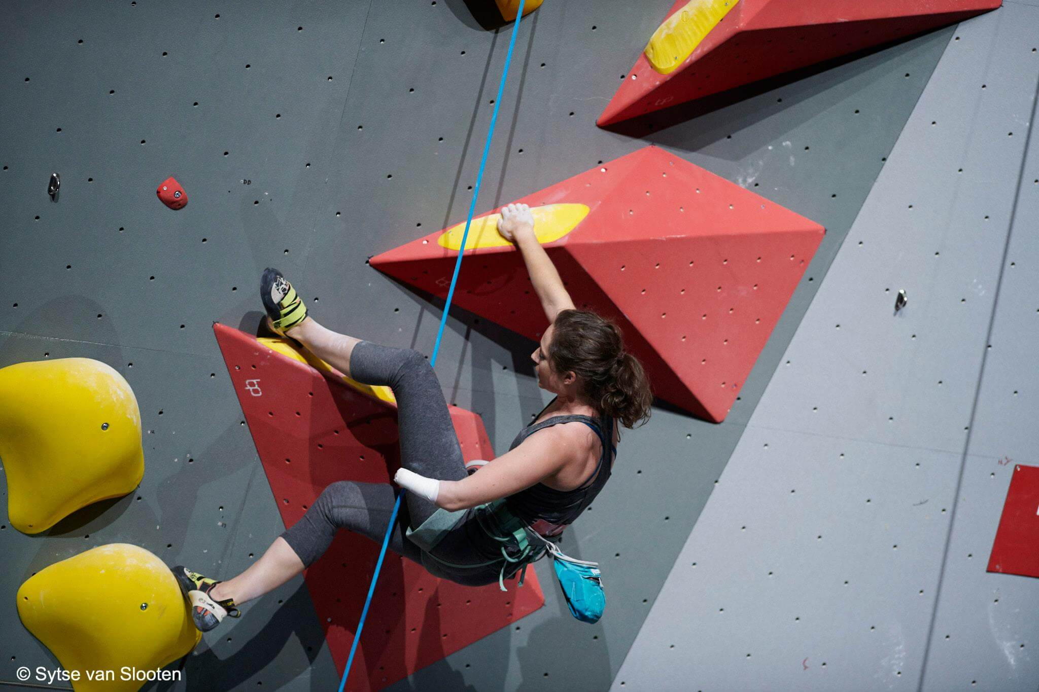 USA's Maureen (Mo) Beck, AU2 2014/16 world champion and 2018 bronze medalist, at the 2018 paraclimbing world championships, Innsbruck